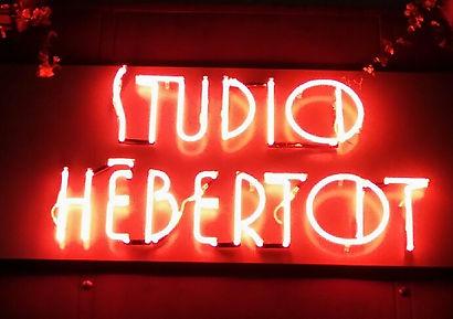 Enseigne du Studio Hébertot