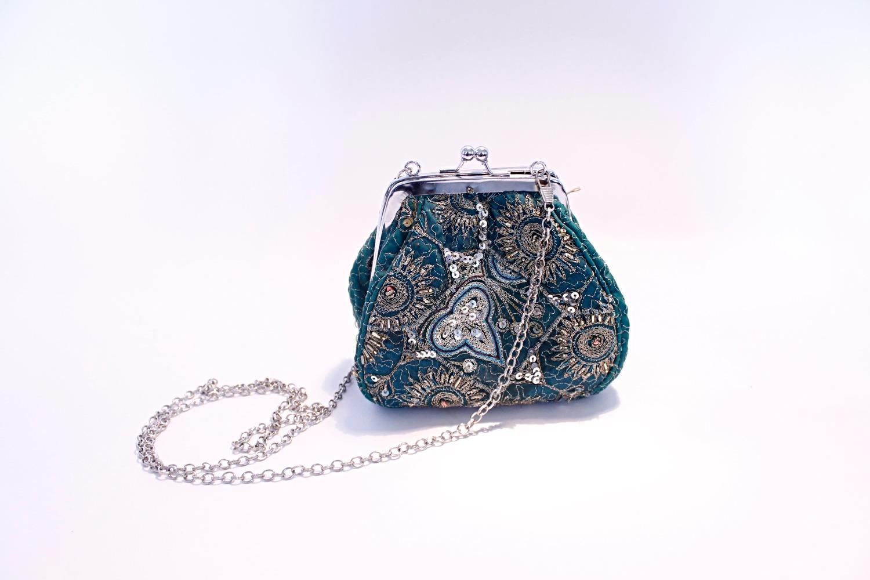 repurposed-sari-purse_19781891232_o_edited