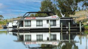 BreakFree Houseboat