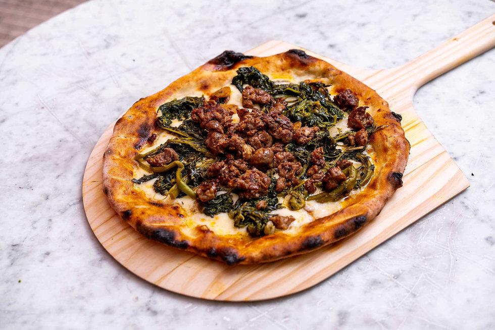 Salsicciae Rapini Pizza