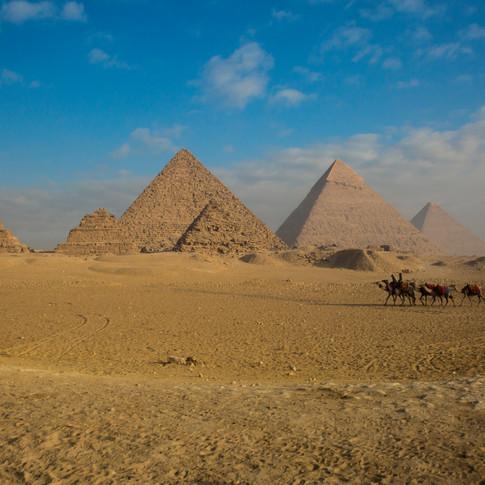 Great Pyramids of Giza   Cario, Egypt