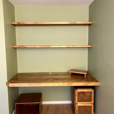 Built-In Desk and Shelves