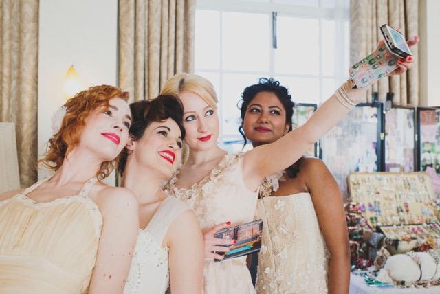Bridal Seifie x 4!