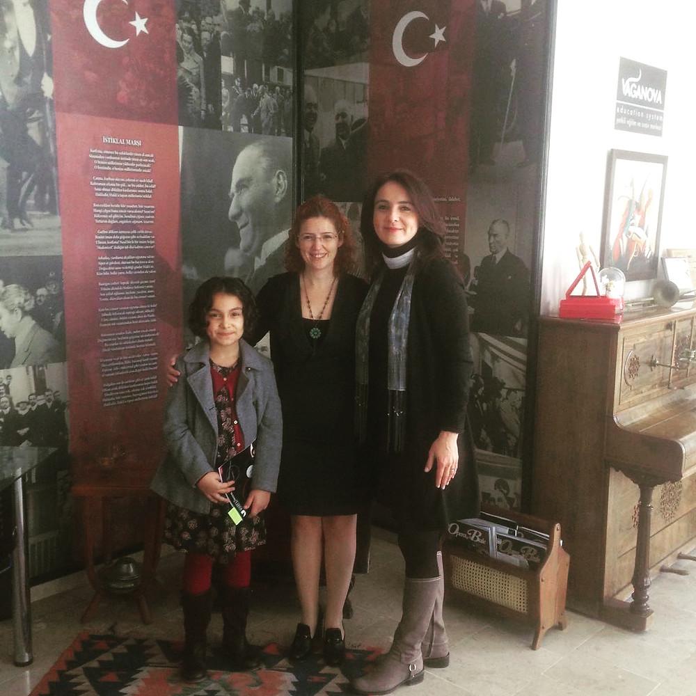 Gururlu öğrencimiz ve annesi ile