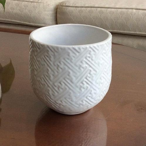 """White T-Pattern Pot 4.75"""""""
