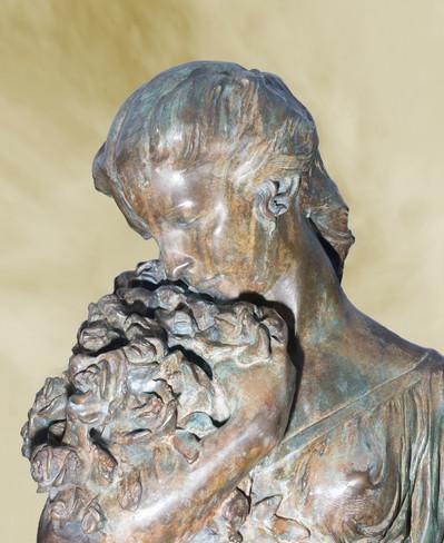 statue_goldsky.jpg