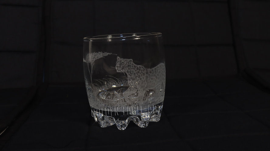 Engraved round whisky glasses