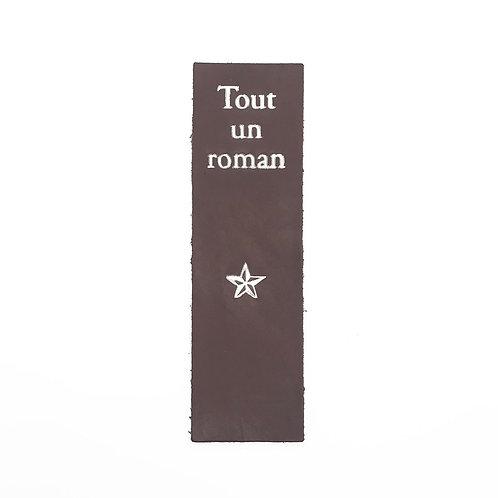 """MARQUE-PAGES """"Tout un roman"""" TAUPE"""