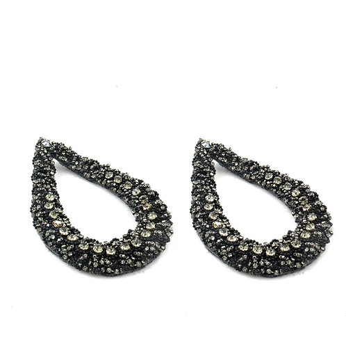 THE DIVA STATEMENT EARRINGS GREY