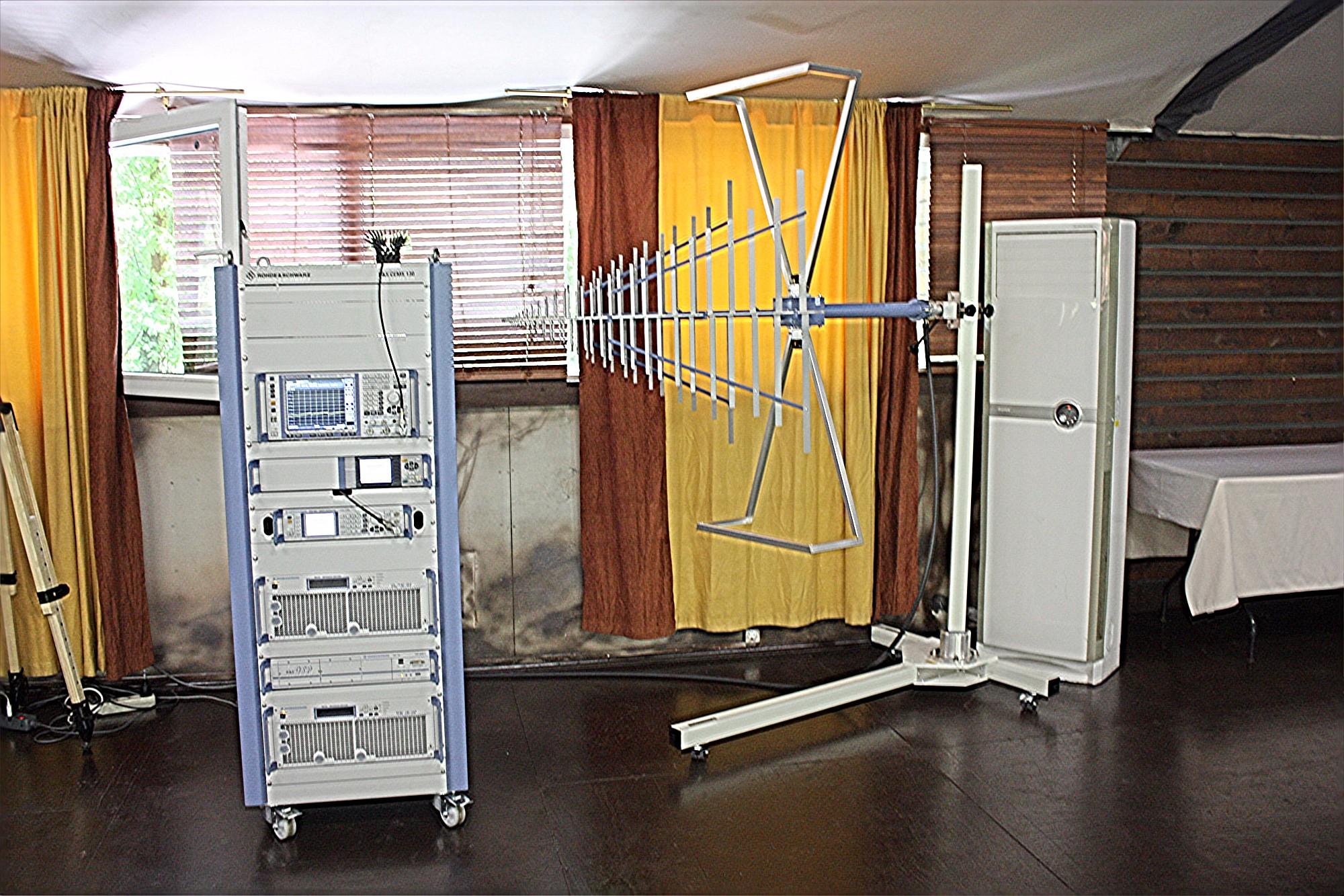Выстовочный стенд Rohde & Schwarz