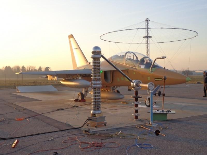 Испытательная установка EDS300 зарядов статического электричества MIL STD-464, MIL-STD-331