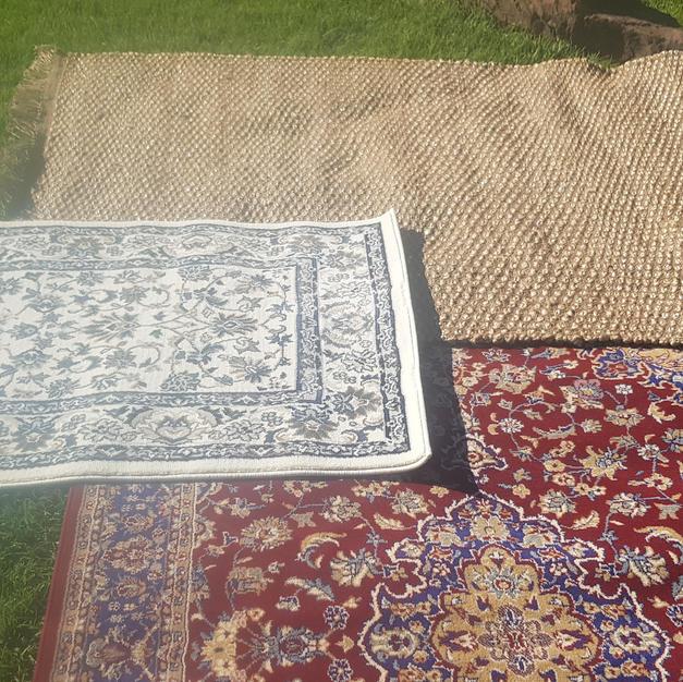 White Traditional Rug 1.2m x .8m