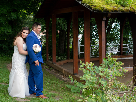 An intimate outdoor ceremony, at the Geneva Inn.  A weekday wedding.