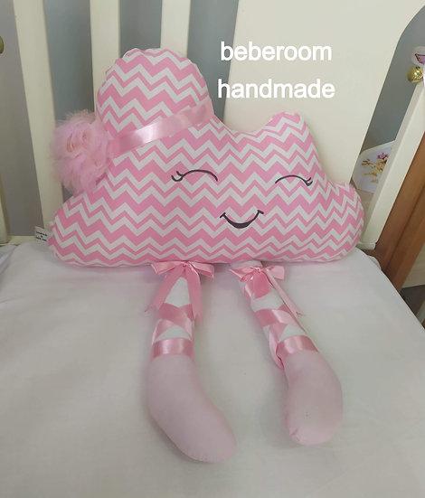 Διακοσμητικό Μαξιλάρι <<συννεφάκι με ποδαράκια ζικ ζακ ροζ>>