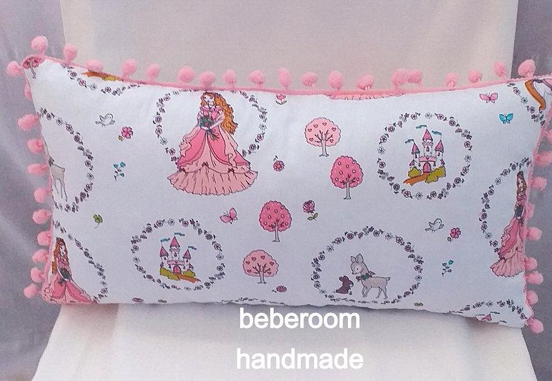 Μαξιλάρι Φιγούρας <<little princess με ροζ πονπον>>