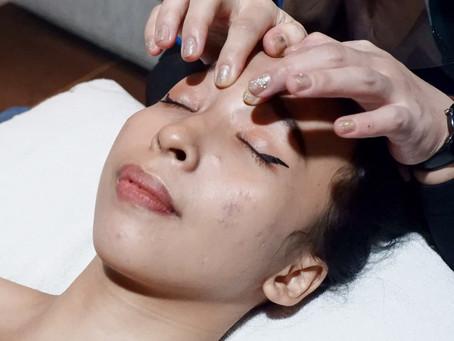 Perawatan Wajah dengan Face Therapy