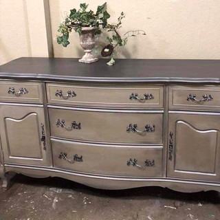 Blue Horseshoe_Furniture Paint_6.jpg