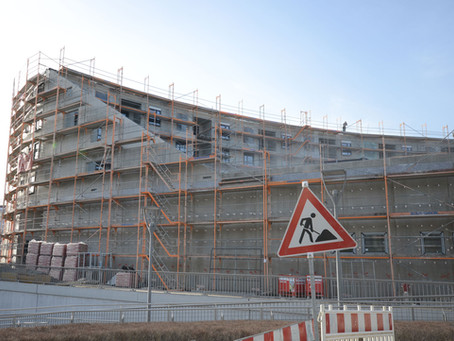 Eine runde Sache: Trespa® Fassade am Aesculap-Kreisel in Tuttlingen