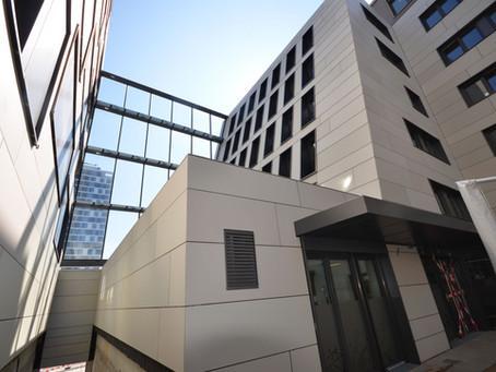 4500 qm Equitone Faserzementfassade: In der Maybachstraße geht es weiter voran