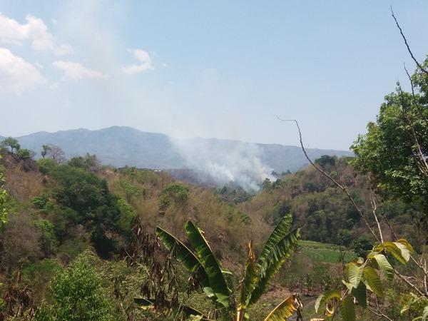 Incendie sur la zone proche de la colline de Nangge Mba'a