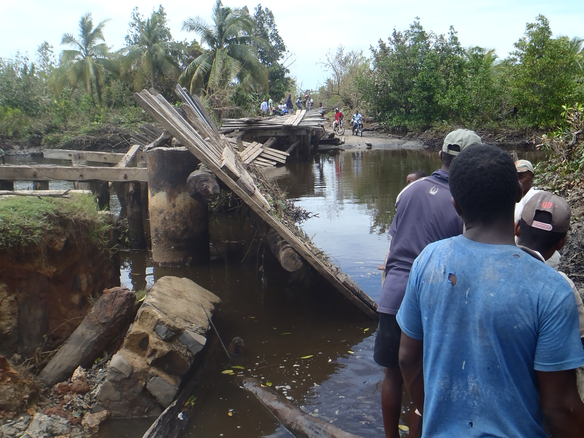 Pont après passage Enawo Madagascar