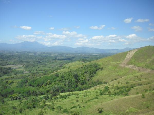Reboisement et allée pare-feu sur la colline Nangge Mba'a