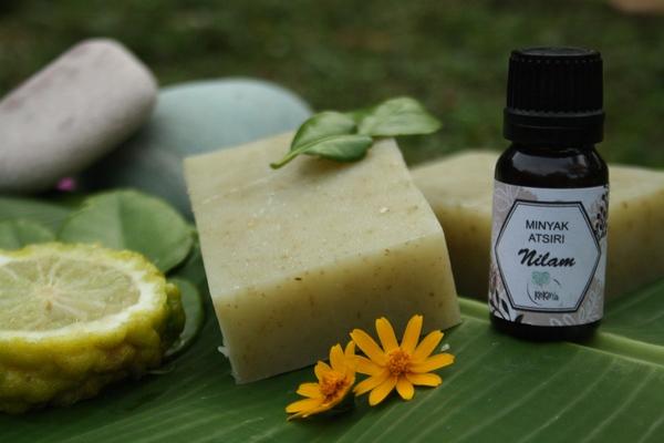 Savon et huile essentielle de Patchouli