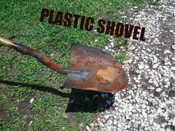 PLASTIC PROP SHOVEL