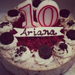 OMG she's 10! #sweechefpastry #sweetchef #happybirthdayariana #sherequestedthis #redvelvetoreocheese