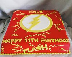 #sweetchef #sweetchefpastry #birthday #theflash #dccomics #lightning #marblecake #vanillabuttercream