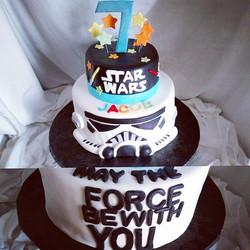 #sweetchef #sweetchefpastry #customcake #birthday #chocolatecake #vanillabuttercream #vanillacake #l
