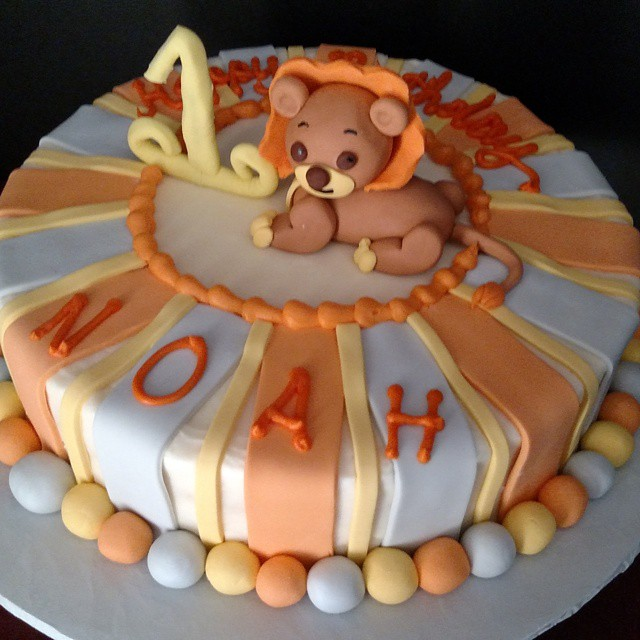 Instagram - #sweetchefpastries #birthday #vanillacake #vanillabuttercream #orange #grey #yellow #fon