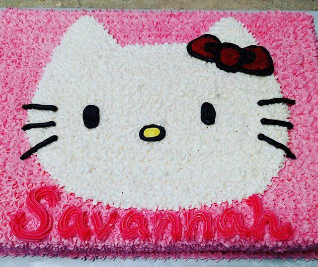 #sweetchef #sweetchefpastry #hellokitty #sanrio #vanillacake #vanillabuttercream #startip #freehand