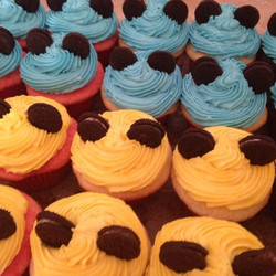#sweetchef #mickeymouse #disney #cupcakes #birthday #vanilla #chocolate #strawberry #vanillabuttercr