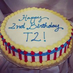 #sweetchef #sweetchefpastry #circus #birthday #red #yellow #blue #marblecake #vanillabuttercream #pi