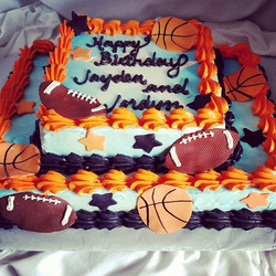 #sweetchef #sweetchefpastries #doublebirthday #marblecake #vanillacake #swissbuttercream #sportsthem