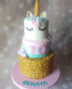 Finally got to do a unicorn cake!!!_Happ
