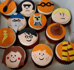 #sweetchefpastry #cupcakes #redvelvet #creamcheeseicing #fondant #harrypotter #jkrowling #harry #ron