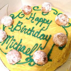 #sweetchef #hubbysbirthdaycake #lemoncake #lemonbuttercream #russianteacookies #32