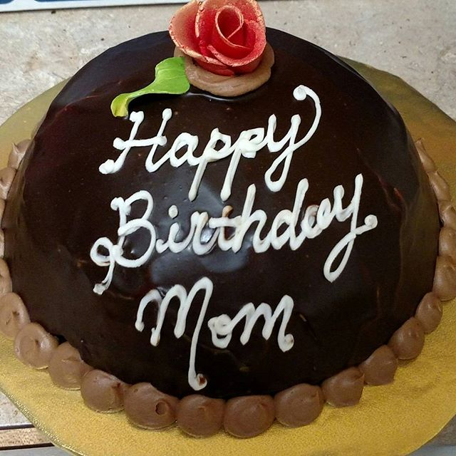 #happybirthdaymom #sweetchefpastry #birthdaycake #chocolatecake #mochabuttercream  #coffeeganache #r