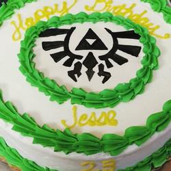 #sweetchefpastries #birthdaycake #zelda #thelegendofzelda #green #gold #triforce #chocolatecake #van