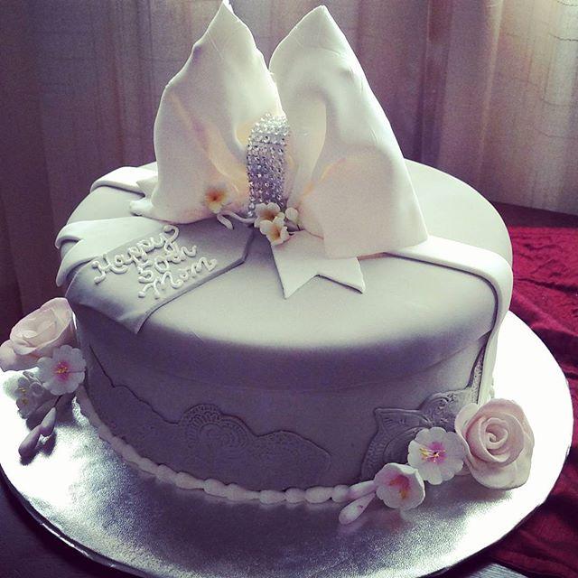 #sweetchefpastry #50thbirthday #customcake #taupe #vanillacake #lemonbuttercream #fondant #bling #bo