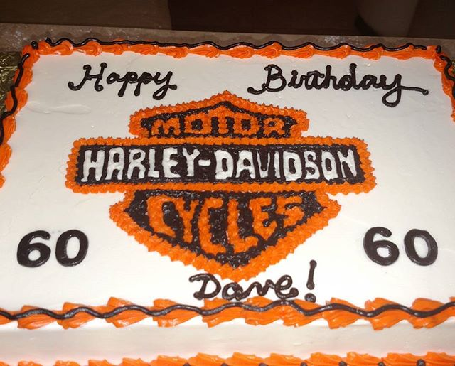#sweetchef #sweetchefpastry #birthday #chocolatecake #vanillabuttercream #orange #black #white  #har