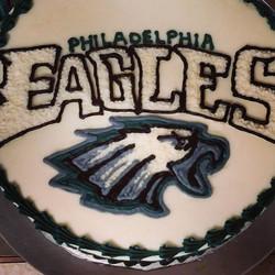 #sweetchefpastry #birthday #vanillacake #vanillabuttercream #freehand #eagles #philadelphia #nfl #fo