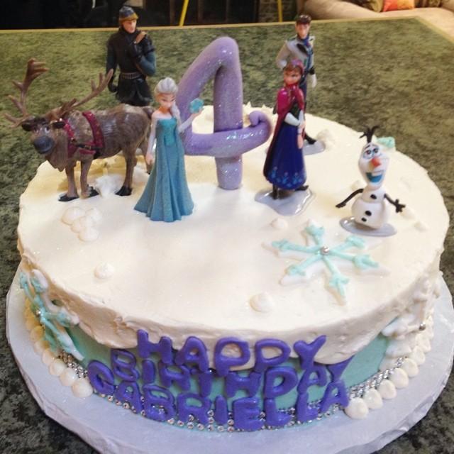 Instagram - #sweetchef #frozen #disney #vanilla #vanillabuttercream #purpleblueandwhite #fondant #sn