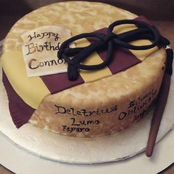 #sweetchefpastry #birthday #customcake #decemberbirthday #chocolatecake #vanillabuttercream #fondant