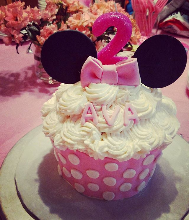 #sweetchef #sweetchefpastry #mybabygirl #secondbirthday #two #minniemouse #bowtique #cupcakecake #pi
