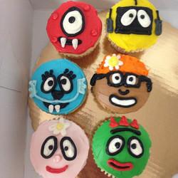 #sweetchef #yogabbagabba #birthday #cupcakes #vanilla #vanillabuttercream #Nickelodeon