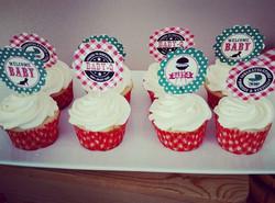#sweetchef #sweetchefpastry #cupcakes #vanillacupcake #vanillabuttercream #customcutouts #etsy #ging