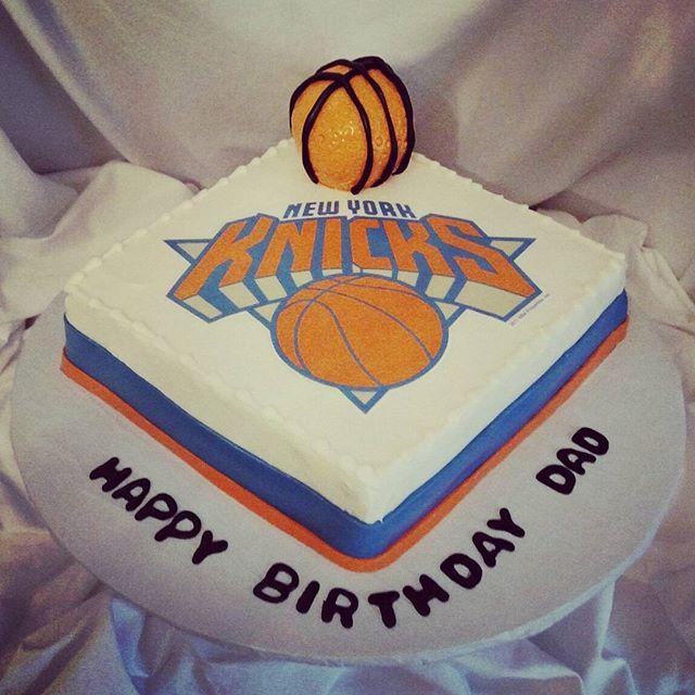 #sweetchef #sweetchefpastry #birthday #carrotcake #creamcheeseicing #fondant #satinice #basketball #
